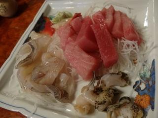 助六寿司刺し身.jpg