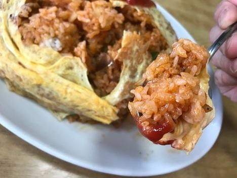 富山島田食堂名物特大オムライスリフト