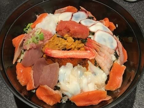 名古屋チャレンジメニュー若狭家デカ盛り大漁海鮮丼