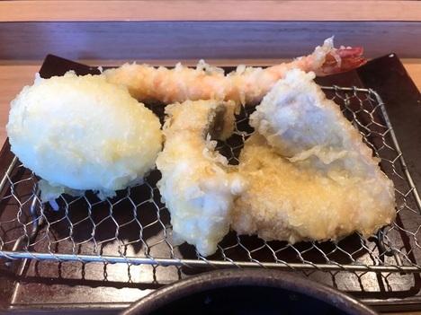 木場やまみ明太子高菜塩辛食べ放題付き定食天ぷら後半