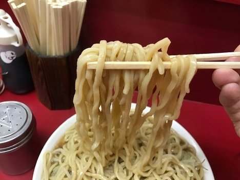 ラーメン二郎川崎大ラーメンヤサイマシマシ麺リフト