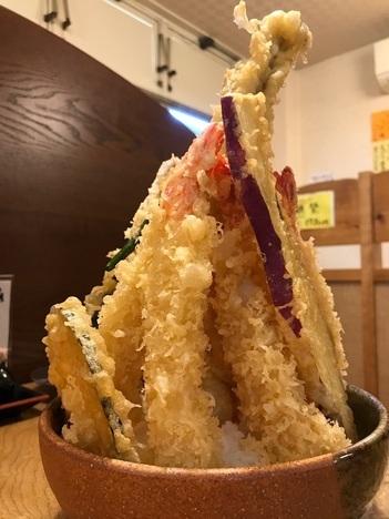 徳島鳴門魚榮デカ盛り特注天丼見上げ