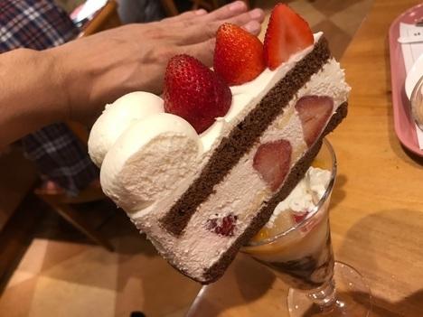 18切符旅大阪梅田ミオールデカ盛りケーキ乗せパフェ