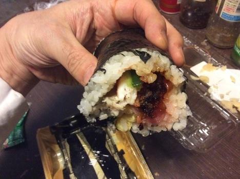 image c3f69 thumbnail2 - かっぱ寿司vsはま寿司vs魚べいvsスシロー【回転寿司】チェーン店4件7本の恵方巻を食べ比べ【1番旨いのはどこ?】