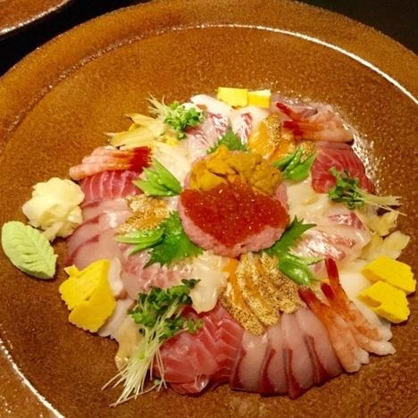 新潟聖籠ほうせい丸海鮮チャレンジ丼鮮やか
