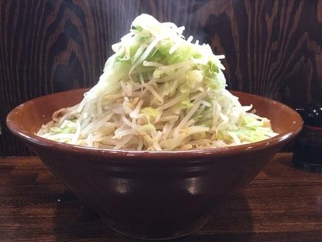西新井ラーメン鳳すり鉢の麺マシヤサイマシ