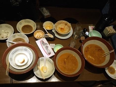 蒙麺火の豚麺マシすり鉢大食いオフ会全員完食