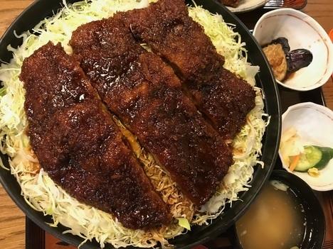会津若松とんかつ番番デカ盛り本当に大きなソースかつ丼定食