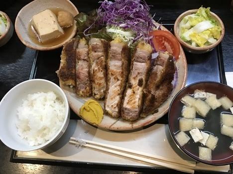 小山げんこつ亭ロース焼きとんかつ定食