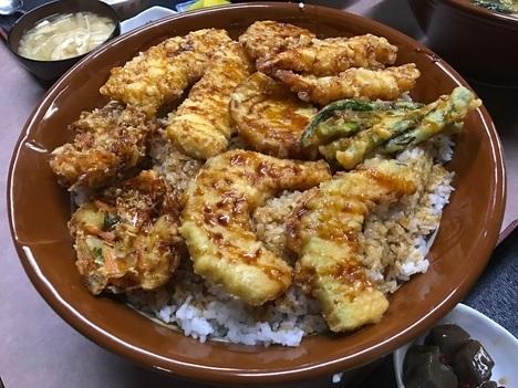 宇都宮藤デカ盛りオフ会特盛りすり鉢天丼