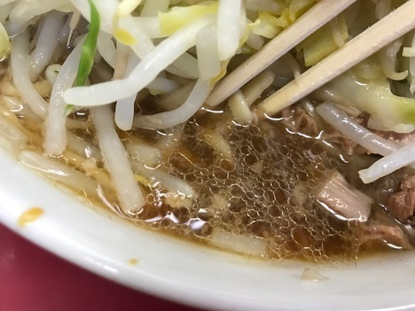 ラーメン二郎中山駅前店スープ拙接写
