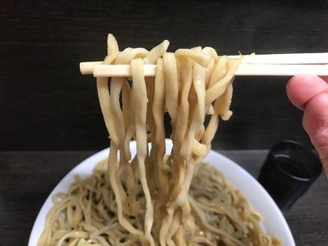 ラーメン二郎大ラーメンヤサイマシマシ軽量全店制覇川越店麺リフト