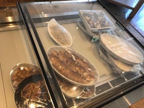 足利1stcafeランチ食べ放題バイキング