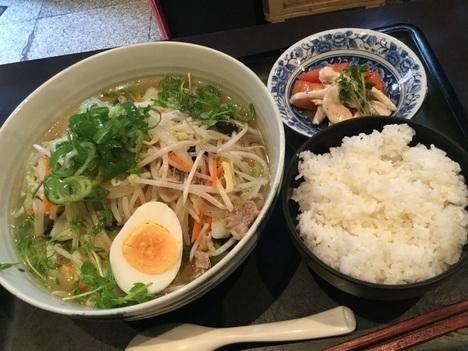 江東区大島プリエボリューミー日替わりランチ塩タンメンとトマト鶏ごはん