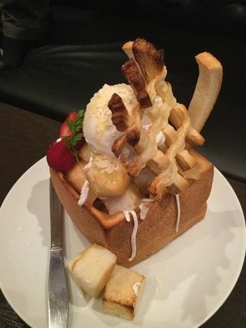 パセラ上野御徒町店名物デカ盛りハニートースト