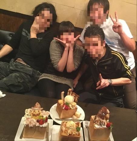 カラオケパセラ上野御徒町店デカ盛りハニートーストオフ会記念撮影