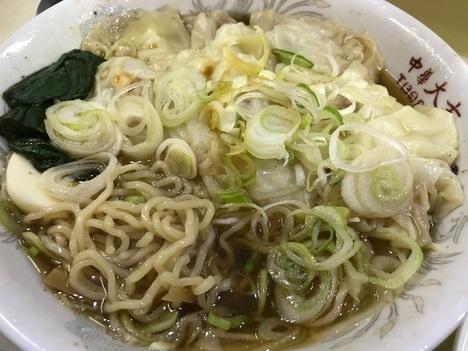 長岡シャッター店中華大吉ワンタン麺大盛り