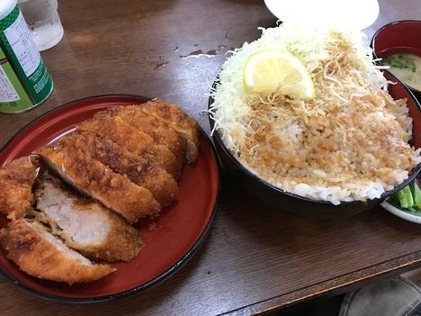 長野まつくぼソースかつ丼大盛り別皿