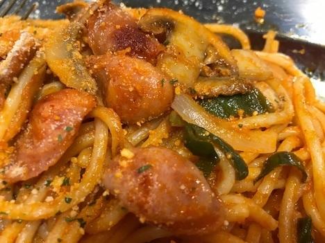 スパゲティオーガキロ盛りナポリタン具アップ