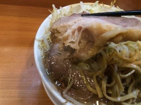 ラーメン二郎野猿街道大ラーメン豚リフト
