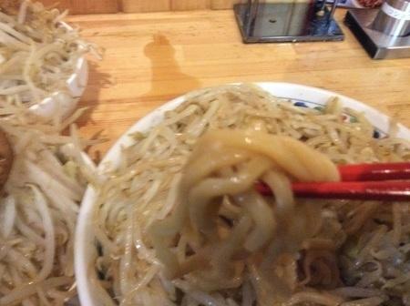 麺マッチョデカ盛りマッチョ増し麺リフト