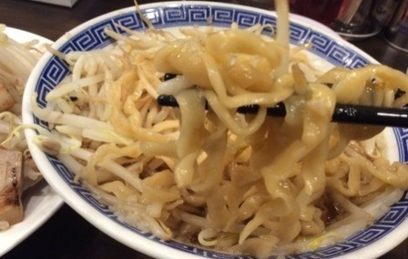 馬鹿豚麺リフト.jpg