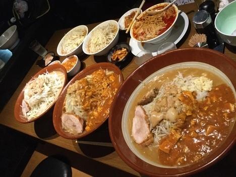 蒙麺火の豚麺マシすり鉢オフ会全景