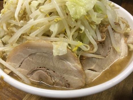 ラーメン二郎小金井街道店大ラーメンヤサイマシマシアブラ豚の面
