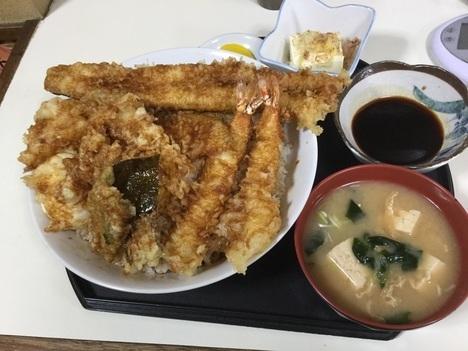石田食堂利根川天丼特盛り定食