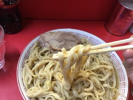 ラーメン二郎三田本店大ラーメン麺リフト