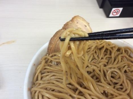 碧いの豚二郎麺リフト